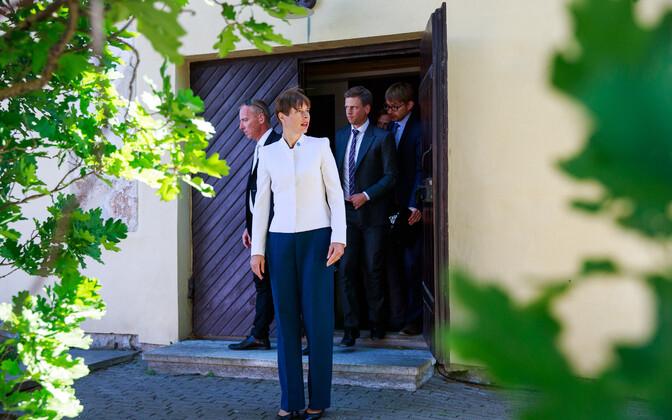 Президент встретилась с чиновниками и банкирами, чтобы обсудить тему э-резидентства