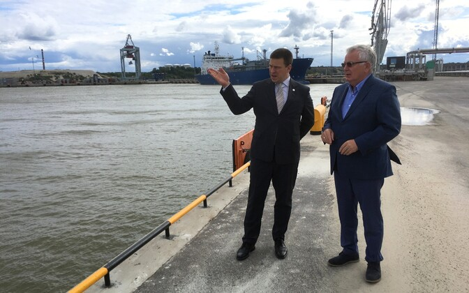 Jüri Ratas külastas Sillamäe sadamat.