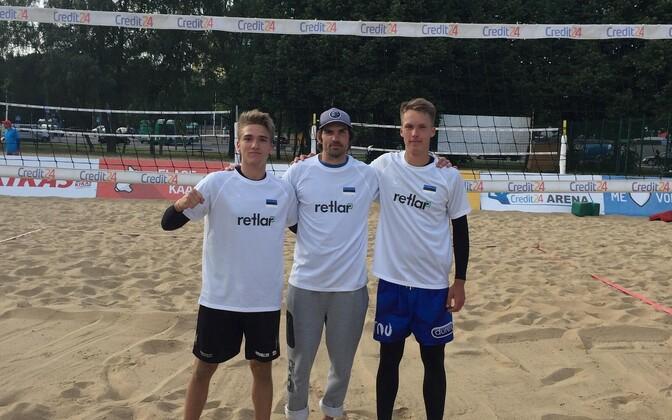 Rasmus Meius ja Märt Tammearu treener Karl Jaaniga.