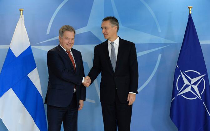 Soome president Sauli Niinistö ja NATO peasekretär Jens Stoltenberg 2016. aasta novembris Brüsselis.