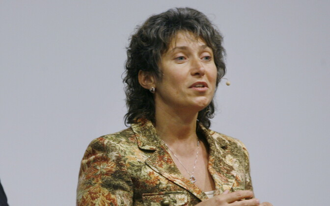 Monika Salu.