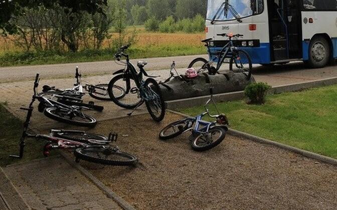 Soe maikuu tõi kaasa tüüpilised lastetraumad rataste, rulade ja rulluiskudega.