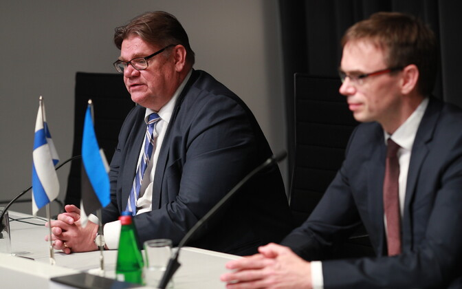 Finnish Minister of Foreign Affairs Timo Soini with Minister of Foreign Affairs Sven Mikser (SDE) in Tallinn on Friday. 8 June, 2018.