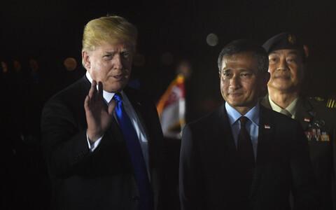 Президент США Дональд Трамп прибыл в Сингапур.