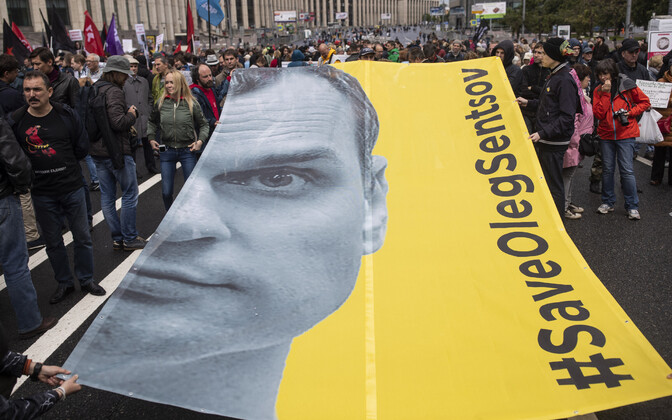 Vene opositsiooni meeleavaldus Moskvas 10. juunil, kus nõuti ka Sentsovi vabastamist.