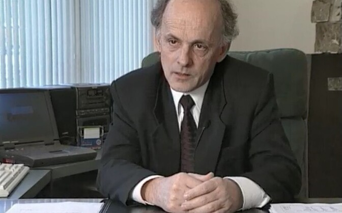 Minister of Economic Affairs Mihkel Pärnoja (2000).