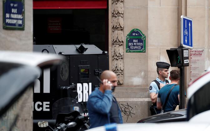 В Париже неизвестный захватил заложников.
