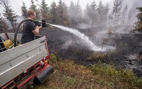 Пожар локализован, продолжается тушение отдельных очагов возгорания.