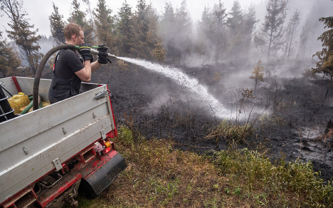 Firefighting efforts continue in Vikipalu.