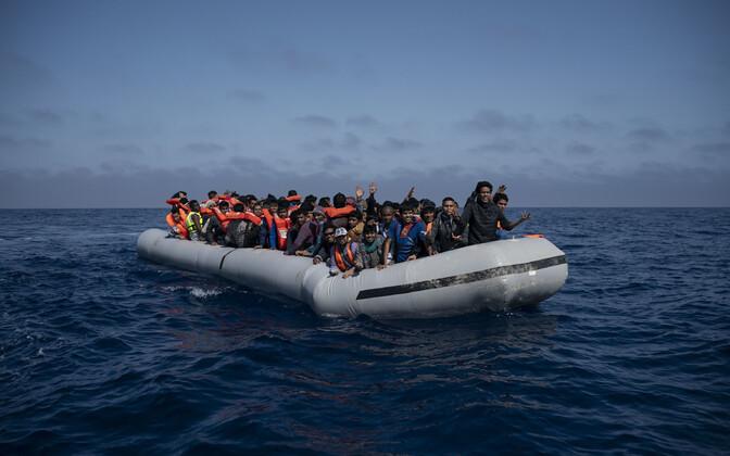 Põgenikepaat Vahemerel.