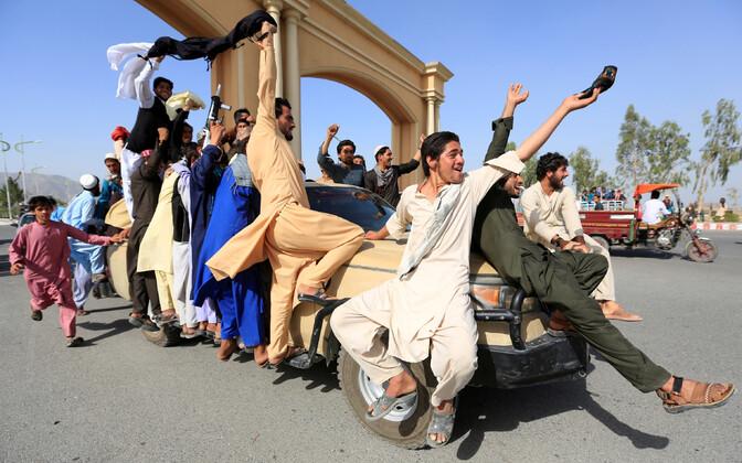 Veel laupäeval rõõmustasid Afganistani inimesed relvarahu üle, ent juba pühapäeval teatas Taliban, et ei pikenda seda.