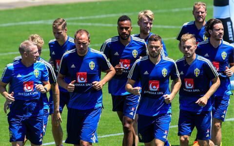 Rootsi jalgpallikoondislased treeningul.