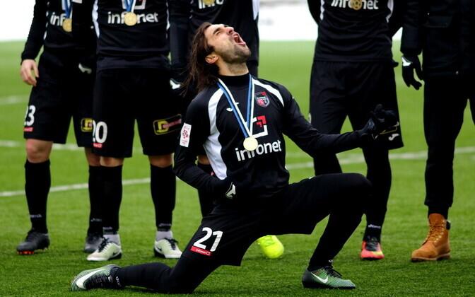 Veebruaris lõi tollane valitsev Eesti jalgpallimeister FCI Flora võrku viis vastuseta jäänud väravat. Aasta lõpuks kadus klubi aga Eesti jalgpallikaardilt.