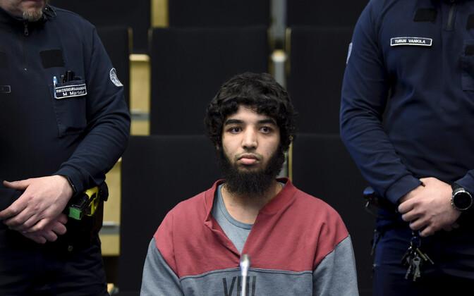 Turu noarünnaku sooritaja Abderrahman Bouanane kohtusaalis.