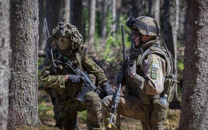 Финские солдаты на учениях НАТО.