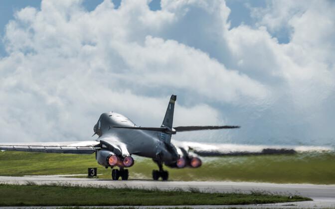 USA sõjalennuk.