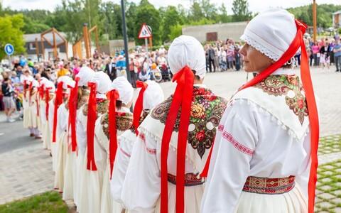 Открытие центральной площади в Пылва.
