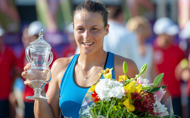 Tatjana Maria Mallorca turniiri trofeega.