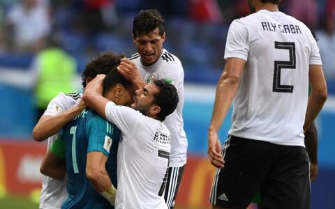Essam El Hadary meeskonnakaaslastega