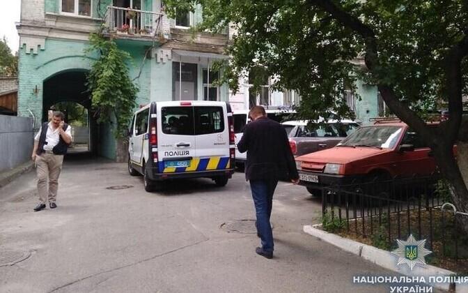 Ukraina politseinikud Kiievis röövitud liibüalast otsimas.