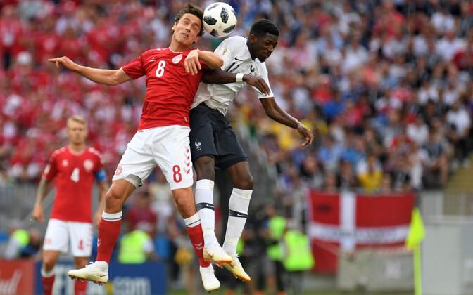 Сборные Дании и Франции прошли в 1/8 финала.