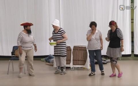 Hiiumaal toimuvad erivajadustega inimeste teatripäevad.