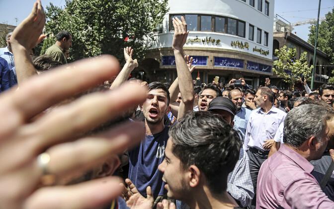 Terves Iraanis on hiljuti peetud meeleavaldusi ka majandusprobleemide tõttu.