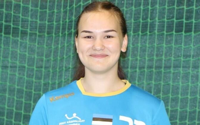 U-16 Euroopa lahtiste meistrivõistluste avapäeval oli Eesti resultatiivseim Elina Tšerkassova, kes viskas kahe mänguga seitse väravat.