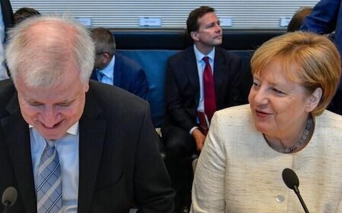 Seehofer ja Merkel