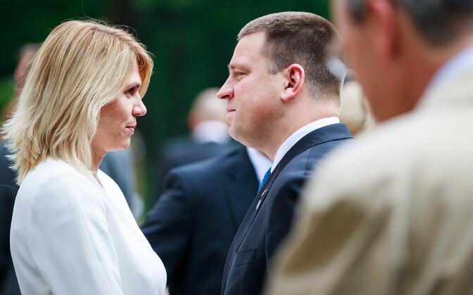 Urve Palo (SDE) with Prime Minister Jüri Ratas (Centre)