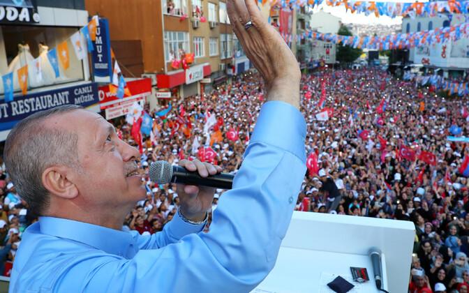 Türgi president Recep Tayyip Erdogan juunis valimisüritusel.