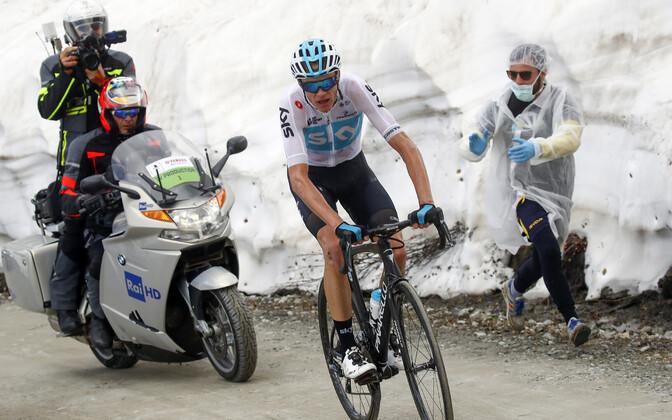 Chris Froome Giro d'Italial etapivõidu poole liikumas