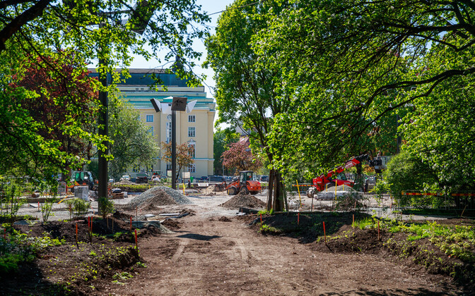 Construction works in Tallinn's Tammsaare Park.
