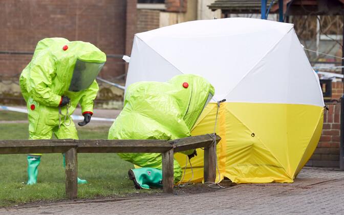 Briti keemiarelvaekspert märtsis Salisburys.
