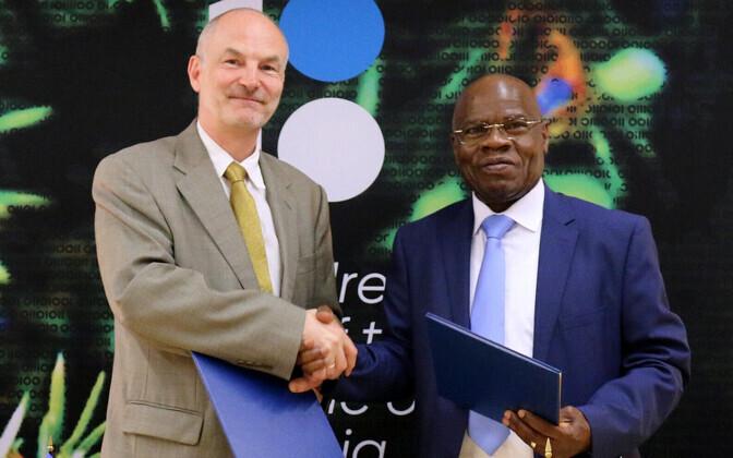 Eesti suursaadik ÜRO juures Sven Jürgenson ja Kongo Demokraatliku Vabariigi suursaadik Ignace Gata Mavita.