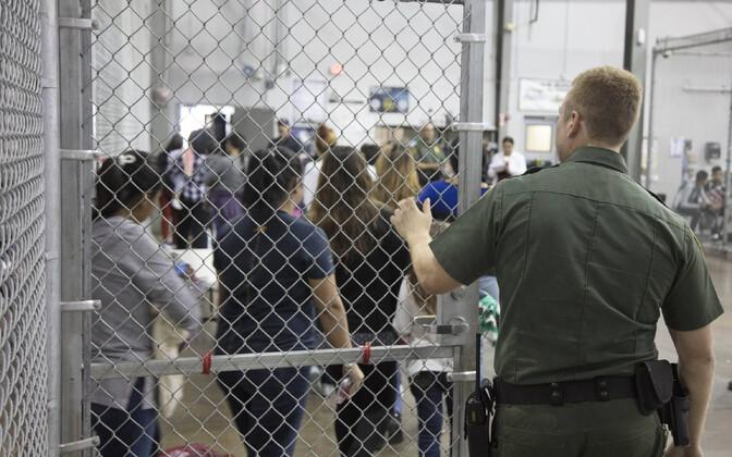 Üks USA suuremaid migratsioonikeskusi, Ursula Texase osariigis, kus toimus ka suur osa perekondade lahutamistest.