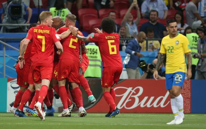 Belgia jalgpallikoondis väravat tähistamas