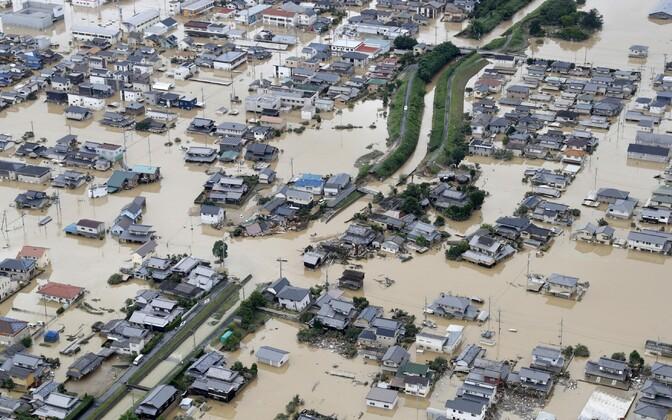 Жертвами наводнения в Японии стали более 60 человек