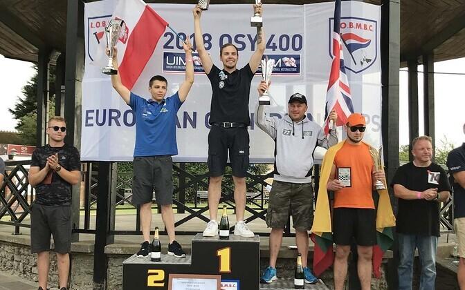 Vasakult Cezary Strumnik, Rasmus Haugasmägi, Jamie Marr