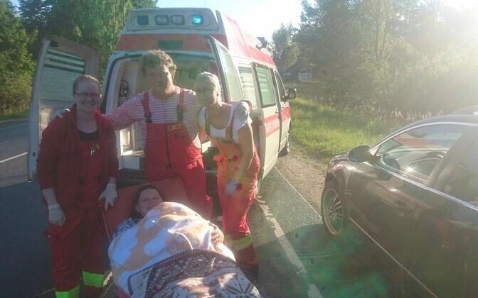 Скорая не успела довезти роженицу из Валга в Тарту, роды принимали на дороге.