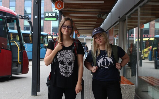 Anette Parksepp (left) and Merit Maarits during their bus journey round Estonia.