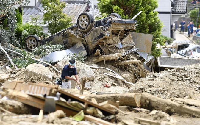 Üleujutuste tagajärjel tekkinud rusud Hiroshimas.
