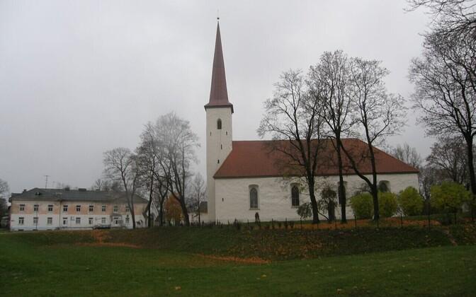 Jõhvi linna vanim hoone on Mihkli kirik.