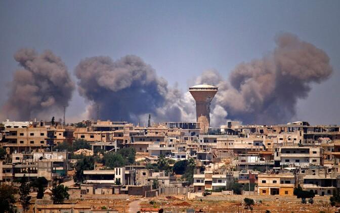 Õhurünnak Daraa linnas.