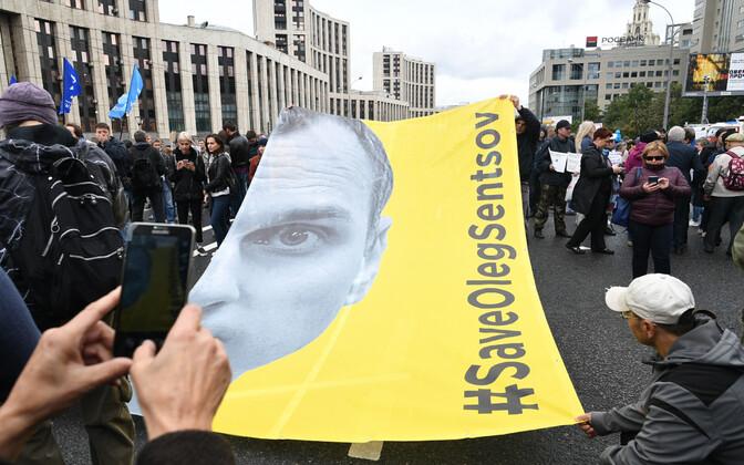 Venemaa opositsiooni meeleavaldus, kus nõuti Oleg Sentsovi vabastamist.