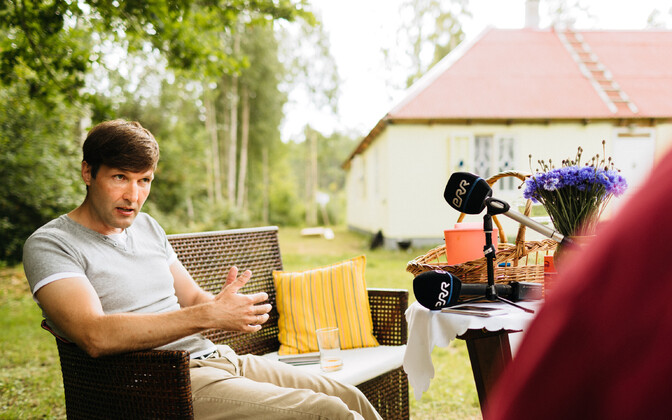 Martin Helme suvekodus ERR-ile intervjuud andmas.