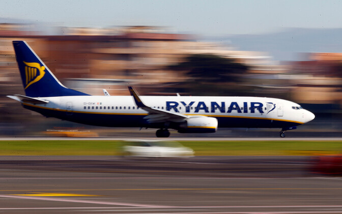 Ryanairi reisilennuk maandumas. Pilt on illustratiivne.