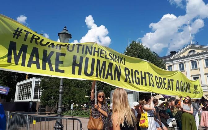 Митинги в Хельсинки во время встречи Трампа с Путиным.