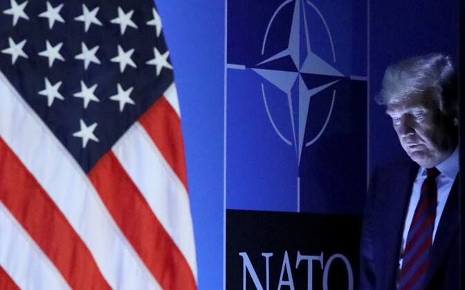 USA president Donald Trump saabumas NATO pressikonverentsile.