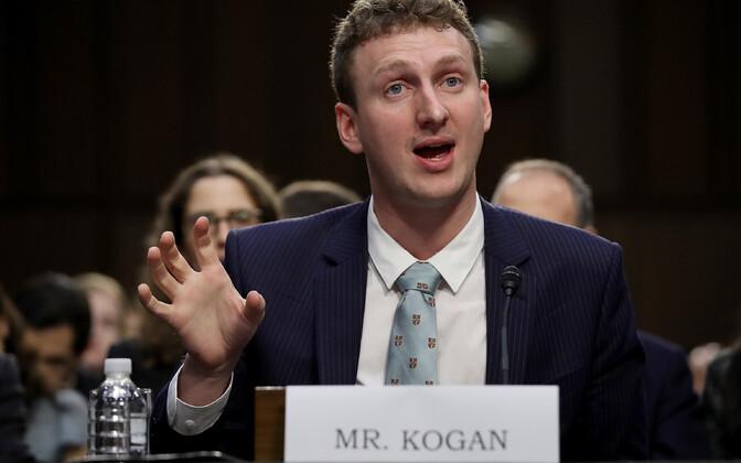 Aleksander Kogan USA senatis tunnistusi andmas.